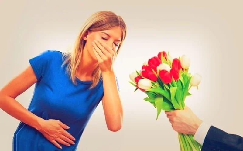 Как делать комплименты и подарки?